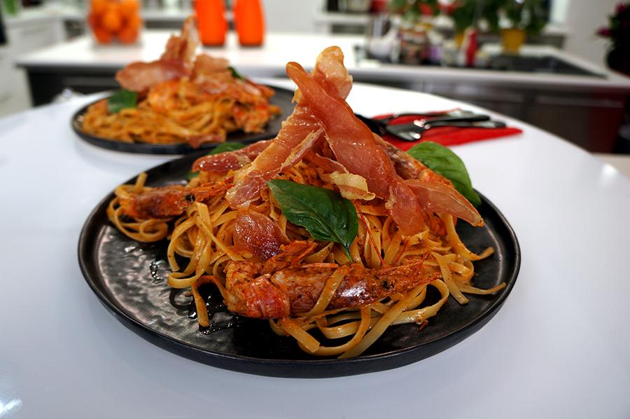 Λιγκουίνι με Γαρίδες και Μαγειρεμένη Σάλτσα Ντομάτας ΒΑΓΓΕΛΗΣ ΔΡΙΣΚΑΣ