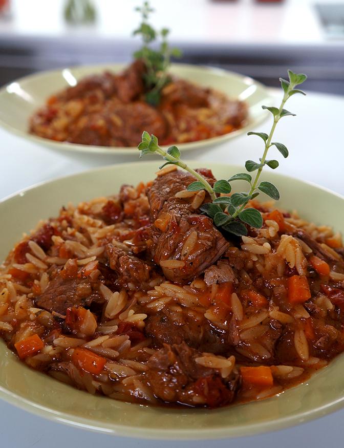 Μοσχαράκι Γιουβέτσι με Μαγειρεμένη Σάλτσα Ντομάτας  ΒΑΓΓΕΛΗΣ ΔΡΙΣΚΑΣ