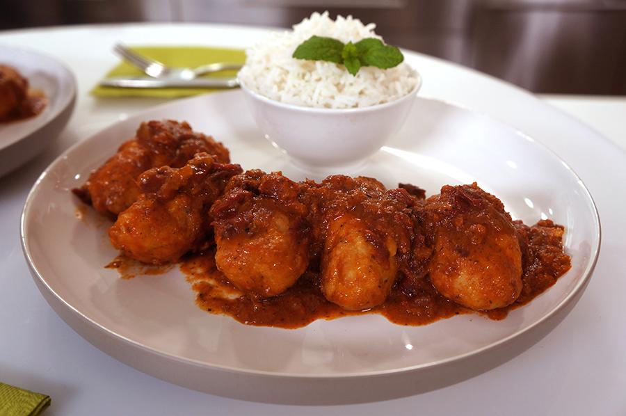 Σουτζουκάκια με Κιμά Κοτόπουλου και Μαγειρεμένη Σάλτσα Ντομάτας ΒΑΓΓΕΛΗΣ ΔΡΙΣΚΑΣ