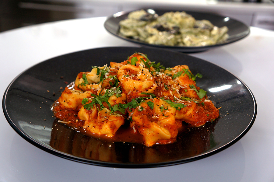 Τορτελίνια με Μαγειρεμένη Σάλτσα Ντομάτας ΒΑΓΓΕΛΗΣ ΔΡΙΣΚΑΣ